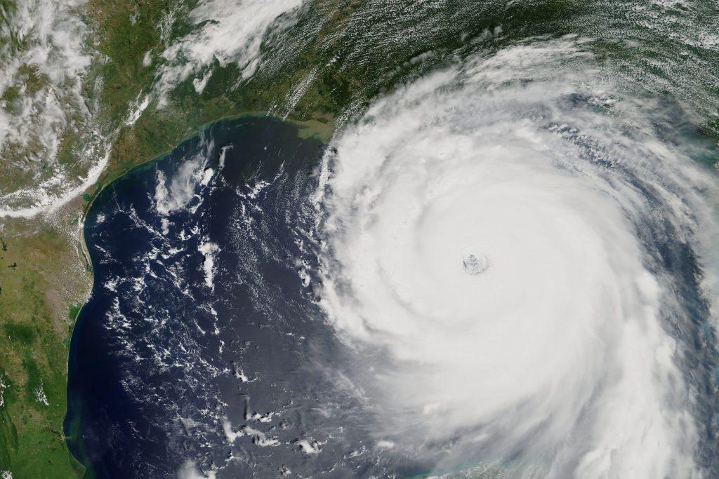 Hurricane Katrina Hits the Coast